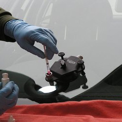 professional car glass repair services